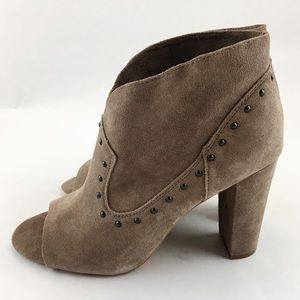 NWB Vince Camuto Corianne Peep Toe Booties Size 10
